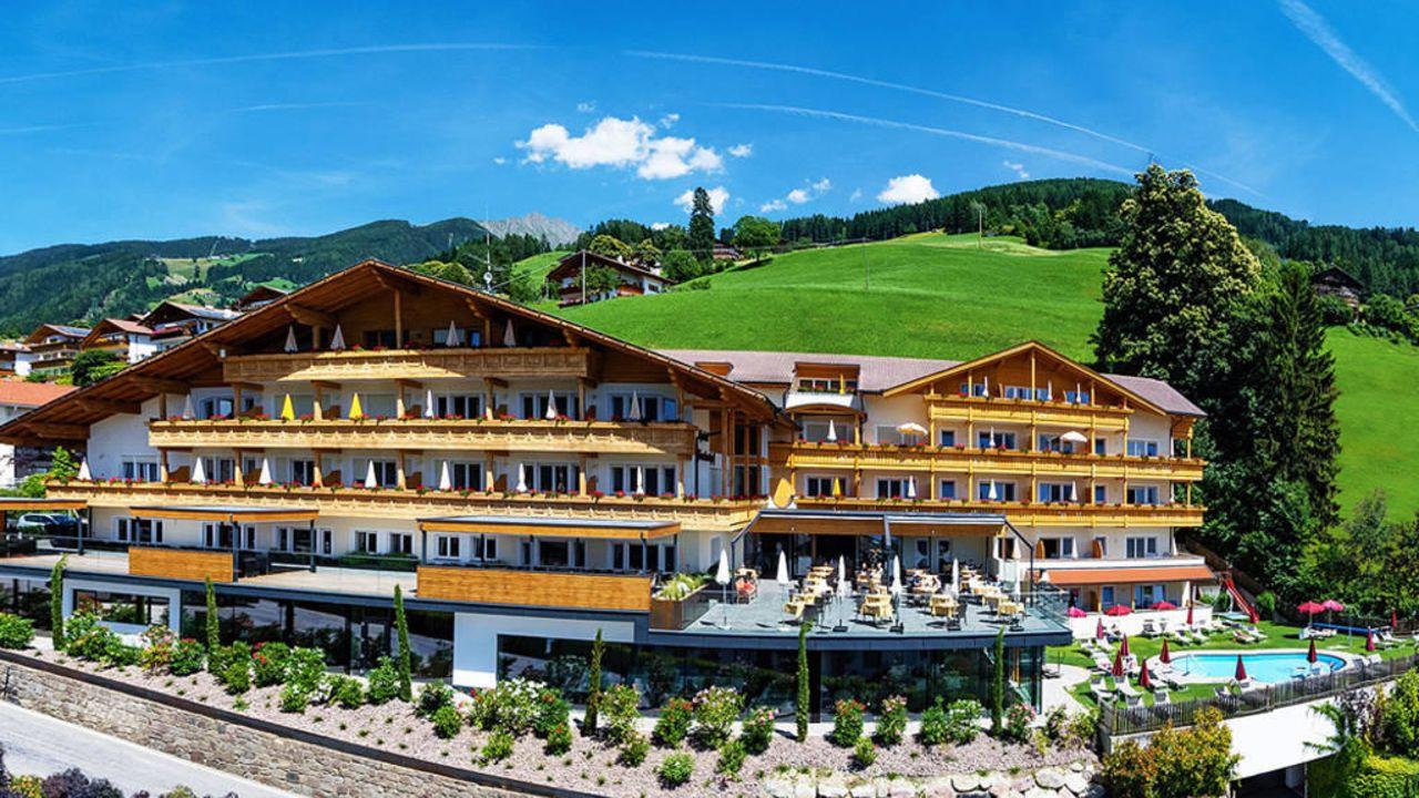 Hotel Furstenhof Scena Schenna Holidaycheck Sudtirol Italien