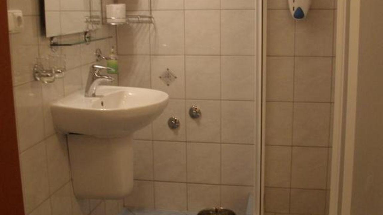 hotel alpenhof in spital am semmering • holidaycheck | steiermark, Badezimmer ideen