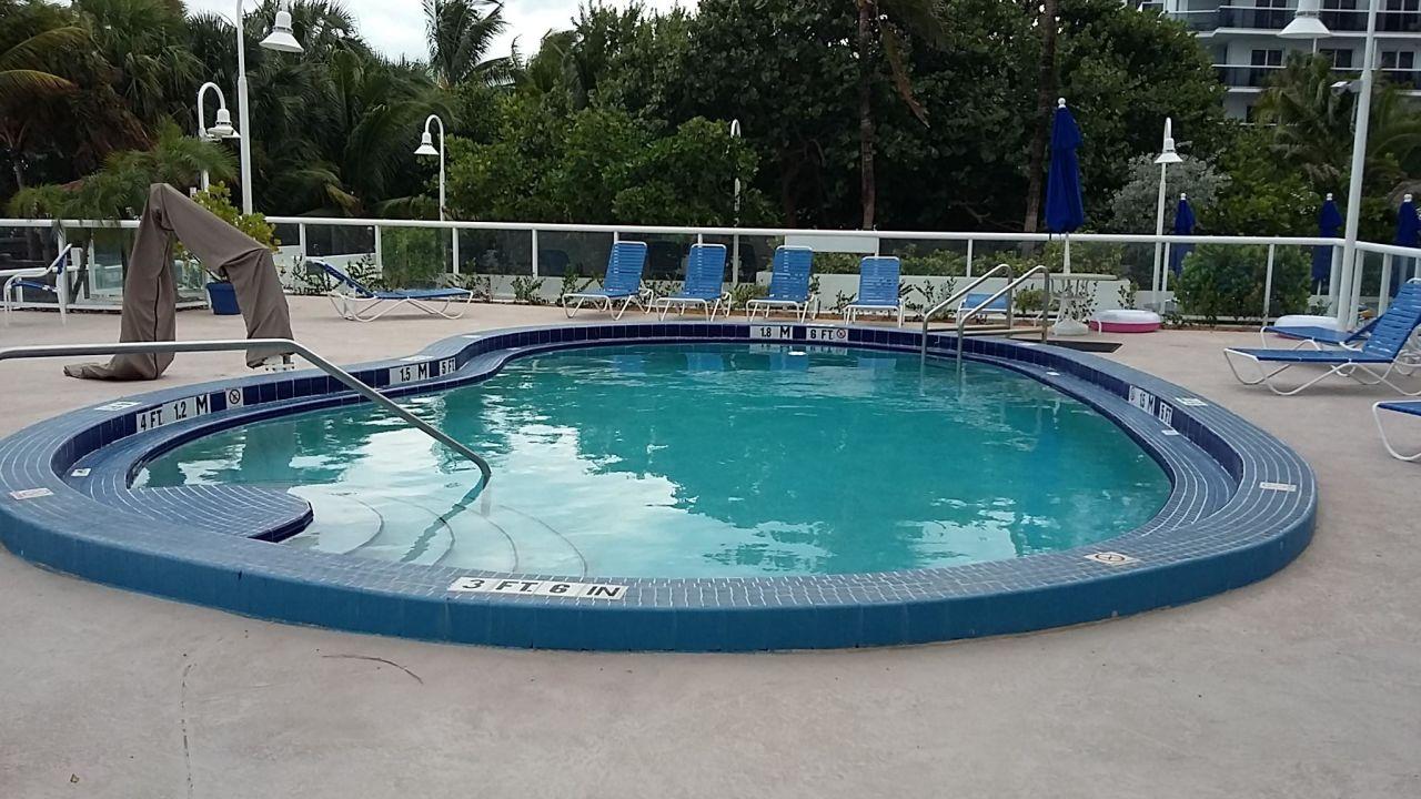 Best Western Atlantic Beach Hotel Miami
