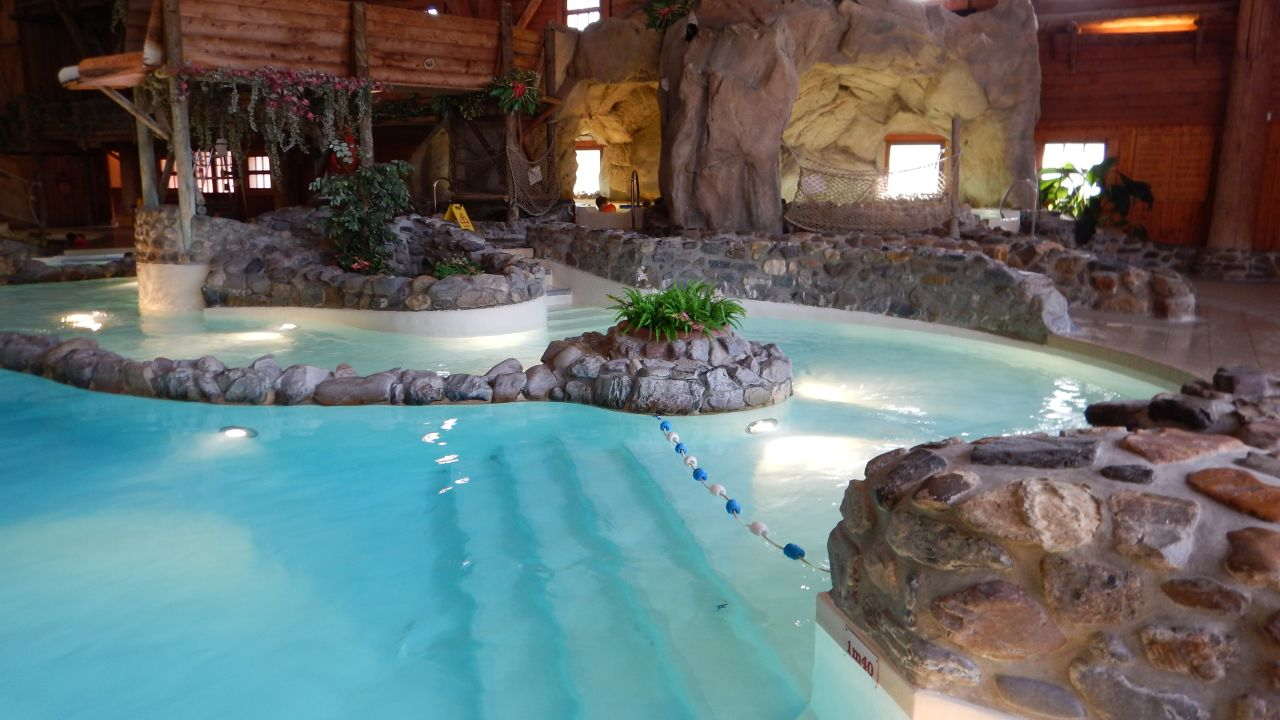 Hotel disney 39 s davy crockett ranch bailly romainvilliers for Piscine hotel davy crockett