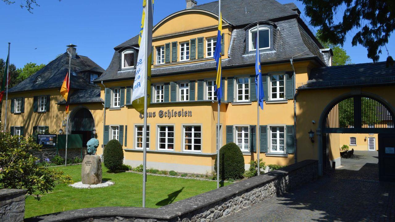 Haus Schlesien Konigswinter Holidaycheck Nordrhein Westfalen