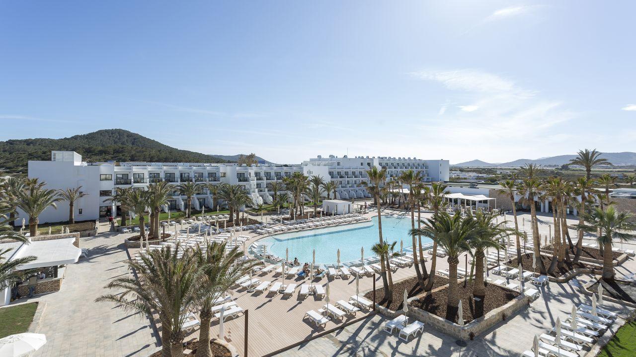 Grand Palladium White Island Resort Spa Playa D En Bossa