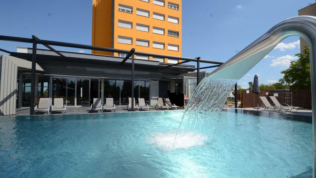 Hotel Aura Design & Garden Pool (Prag / Praha ...