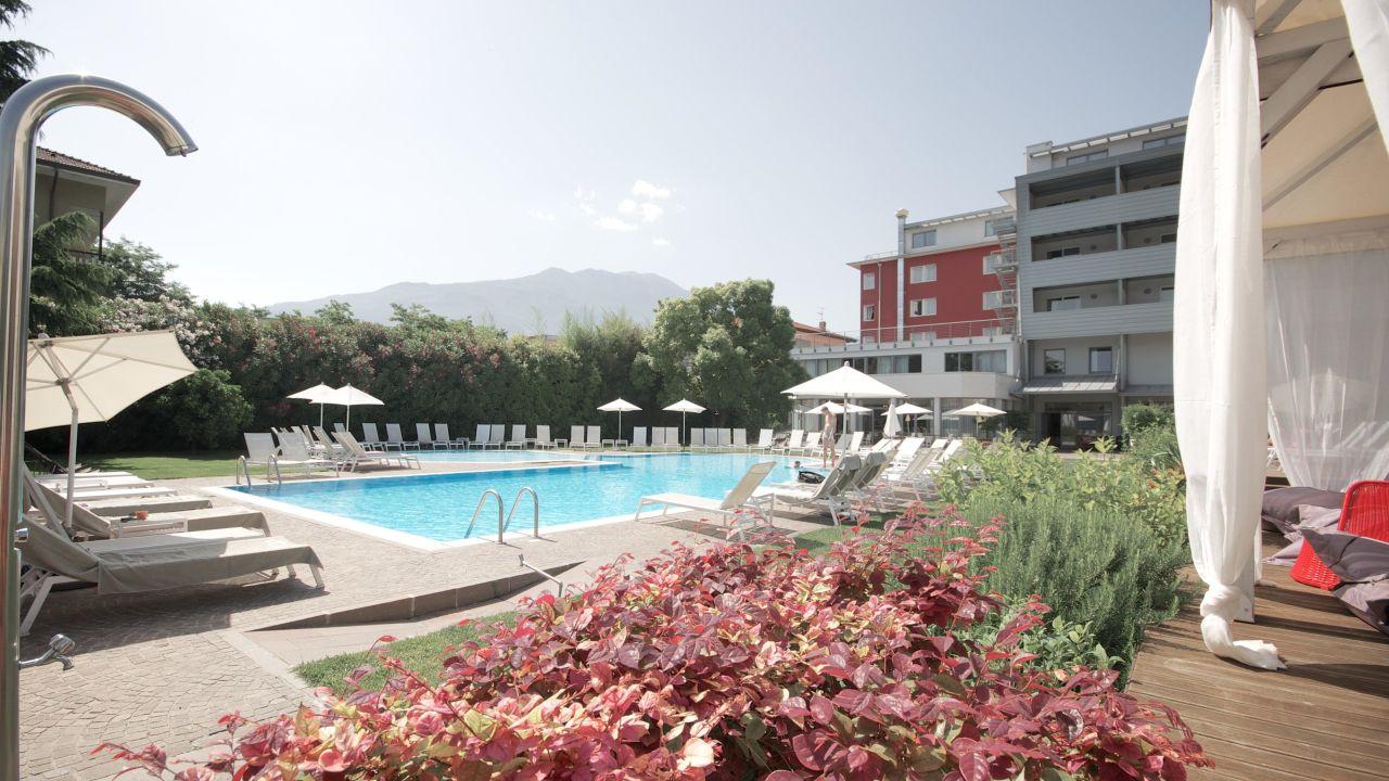 Retro Kühlschrank Ebd : Hotel luise riva del garda u2022 holidaycheck trentino italien