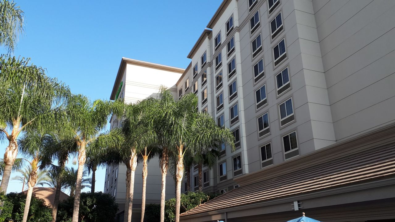 hotel holiday inn anaheim resort area anaheim. Black Bedroom Furniture Sets. Home Design Ideas