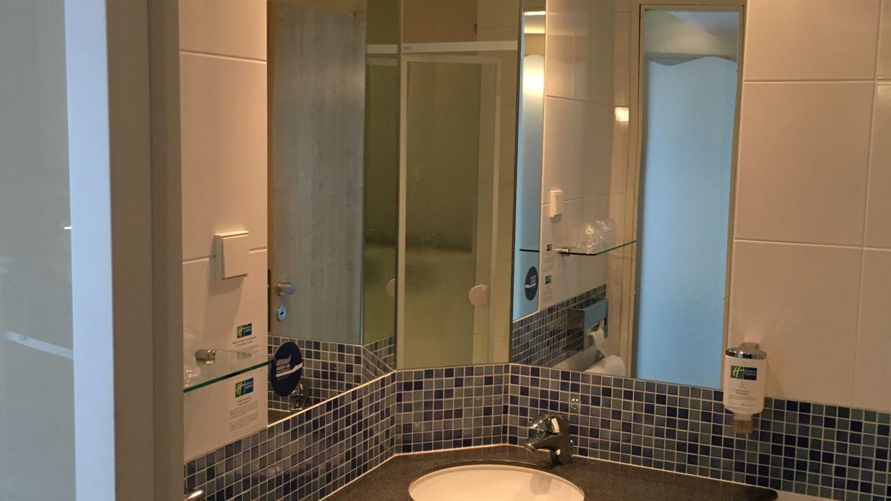 Hotel Holiday Inn Express Gütersloh (Gütersloh ) • HolidayCheck ...