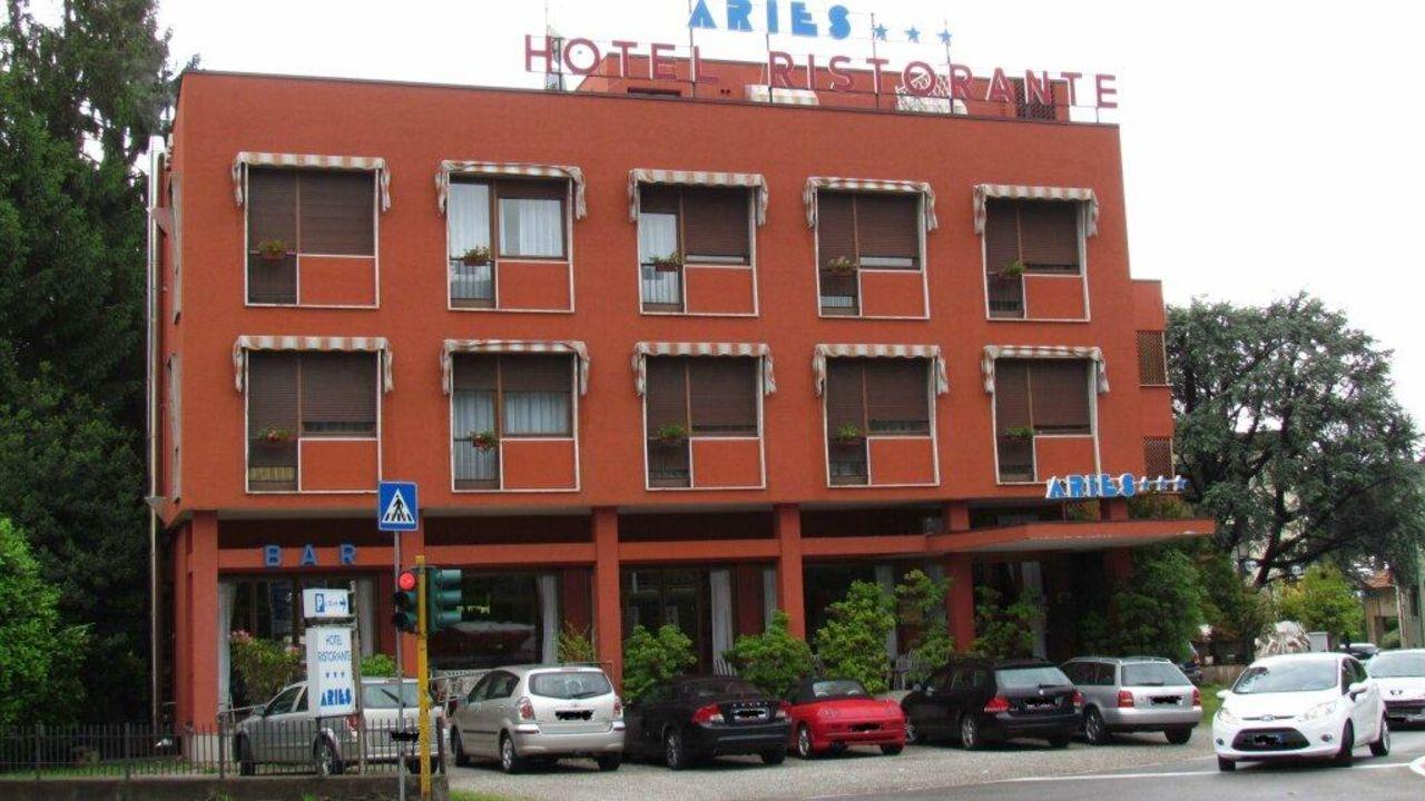 Hotel Aries Lesa Holidaycheck Piemont Italien