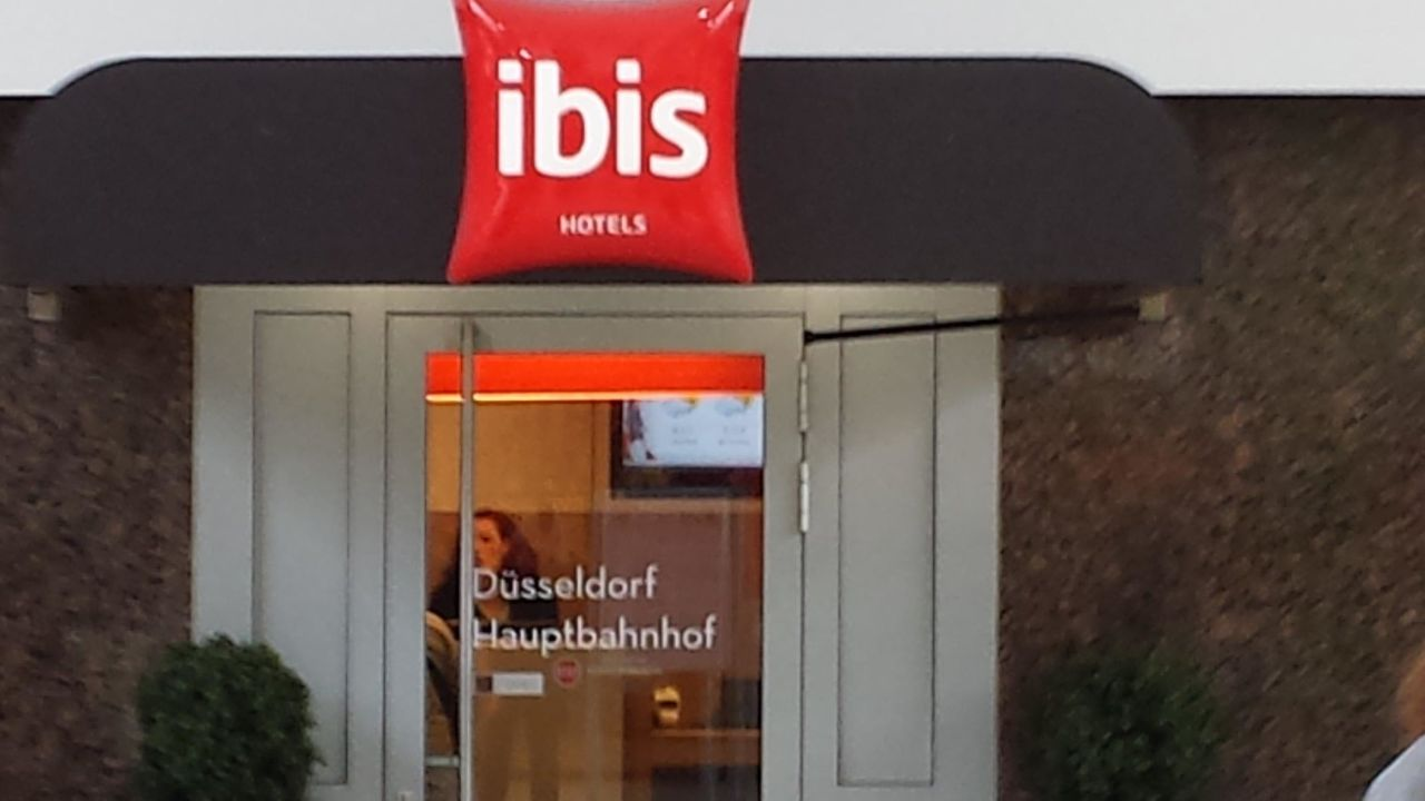 hotel ibis d sseldorf hauptbahnhof d sseldorf holidaycheck nordrhein westfalen deutschland. Black Bedroom Furniture Sets. Home Design Ideas
