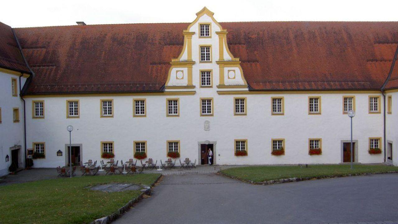 Singles neresheim Sexkontakte in Kloster Neresheim ▷ Sie sucht Ihn in Kloster Neresheim