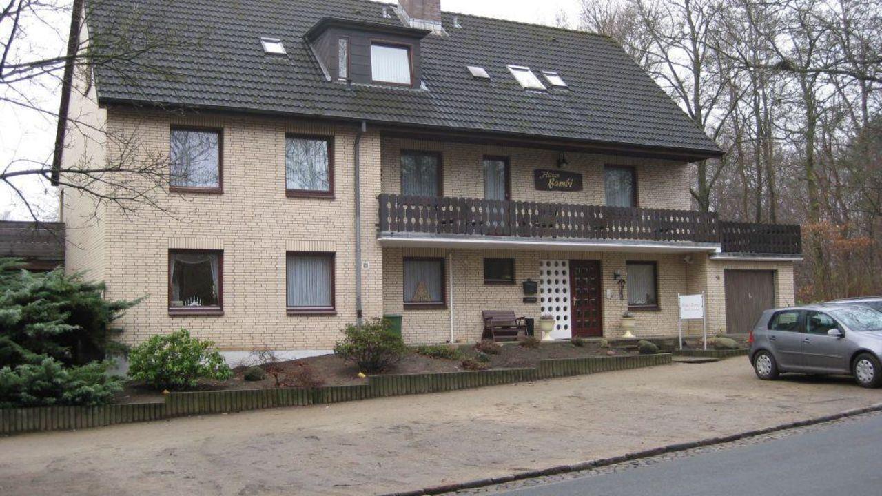 hotel pension haus bambi m lln holidaycheck schleswig holstein deutschland. Black Bedroom Furniture Sets. Home Design Ideas