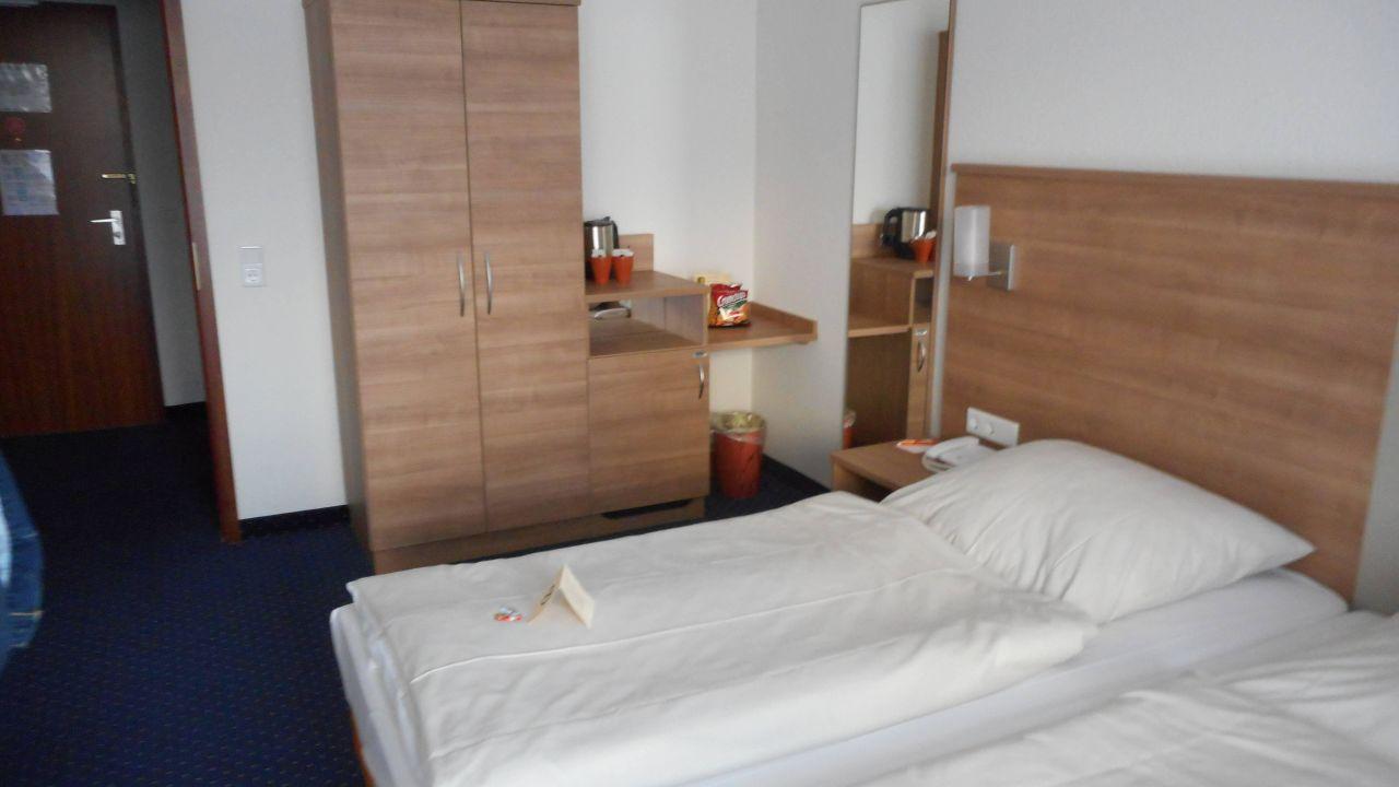 acora hotel wohnen d sseldorf in d sseldorf. Black Bedroom Furniture Sets. Home Design Ideas
