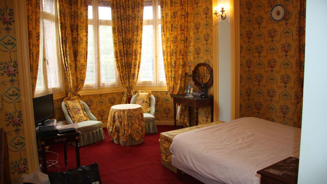 Chateau Lezat - Chambres d\'Hotes (La Souterraine) • HolidayCheck ...