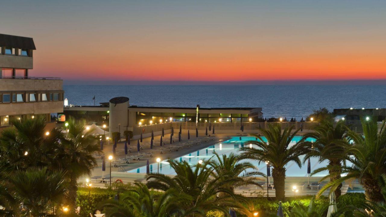 Grand hotel continental tirrenia u2022 holidaycheck toskana italien