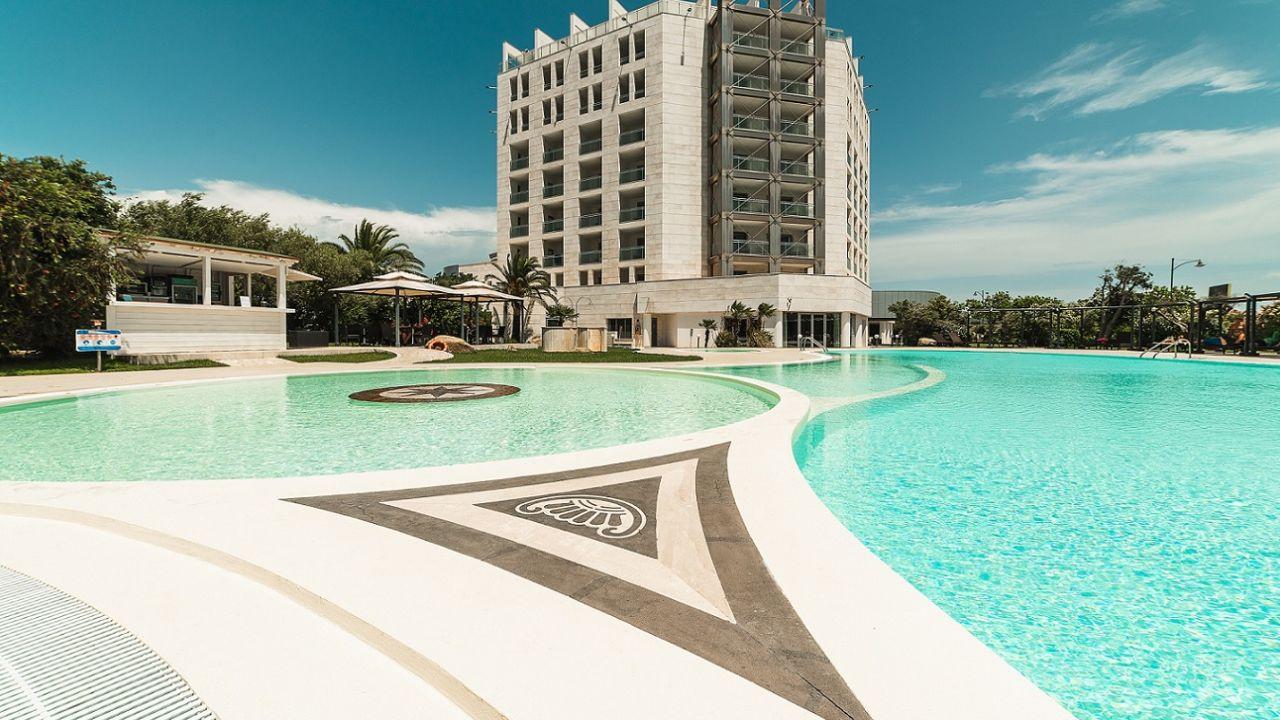 Hotel Doubletree By Hilton Olbia Olbia Holidaycheck Sardinien
