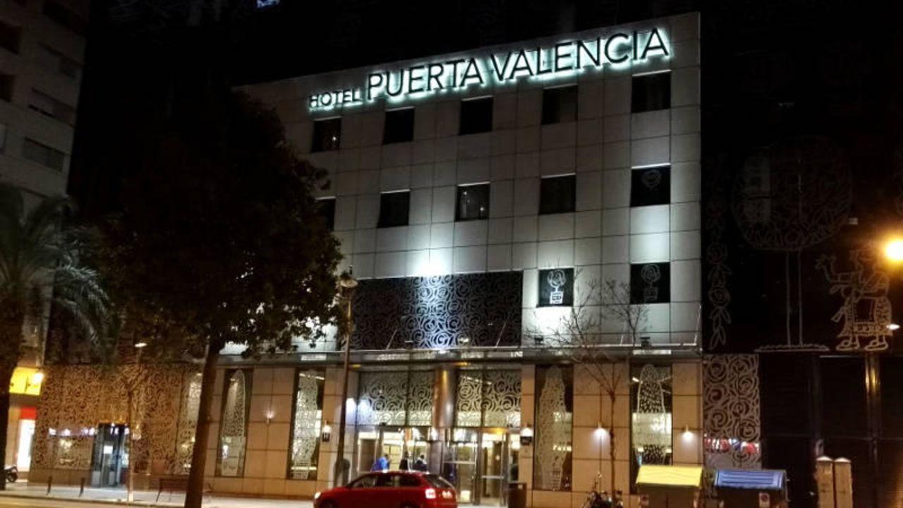 Hotel silken puerta de valencia valencia holidaycheck valencia spanien - Silken puerta de valencia ...