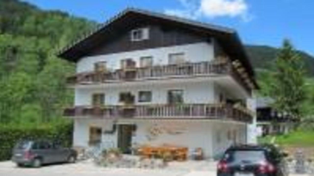 Pension Haus Isabella (Bad Kleinkirchheim) • HolidayCheck (Kärnten ...