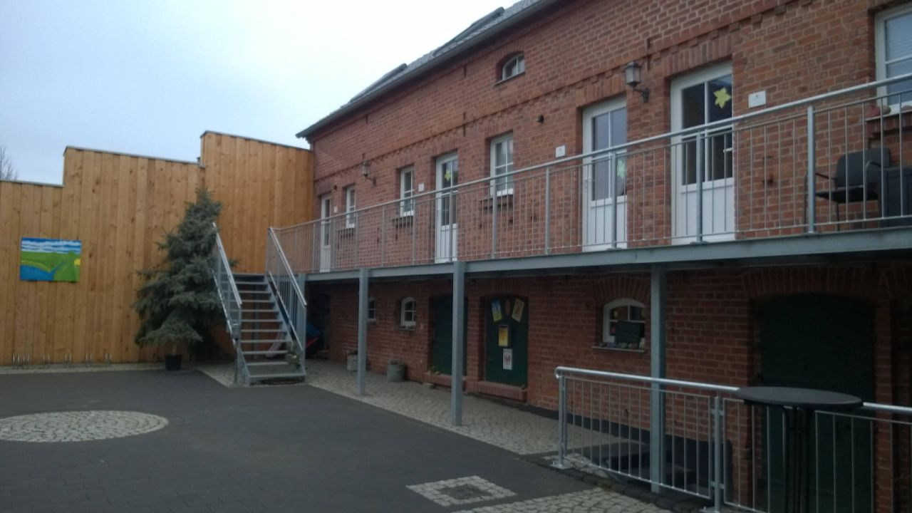 Heinrichs Cafe Wirtschaft Pension (Walternienburg) • HolidayCheck ...