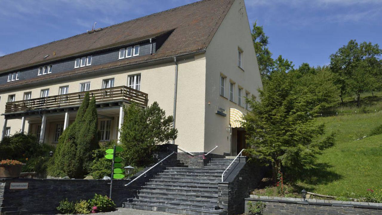 Land & Golfhotel Alte Fliegerschule (Stockhausen) • HolidayCheck ...