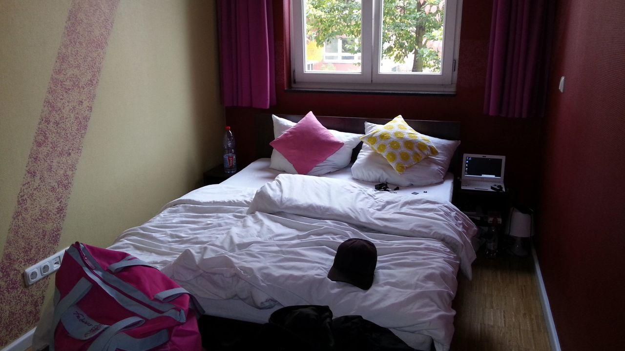 holi berlin hostel hotel in berlin lichtenberg holidaycheck berlin deutschland. Black Bedroom Furniture Sets. Home Design Ideas