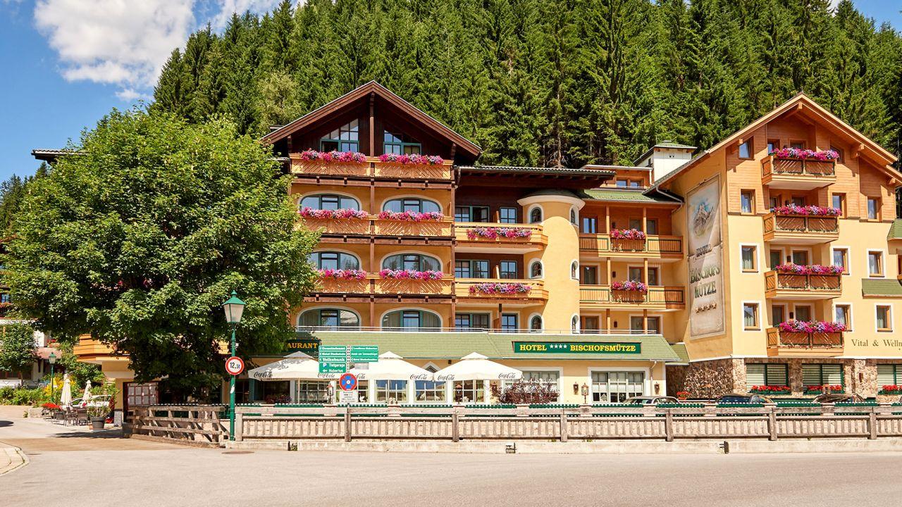 Hotel bischofsm tze in filzmoos holidaycheck for Design hotel salzburger land