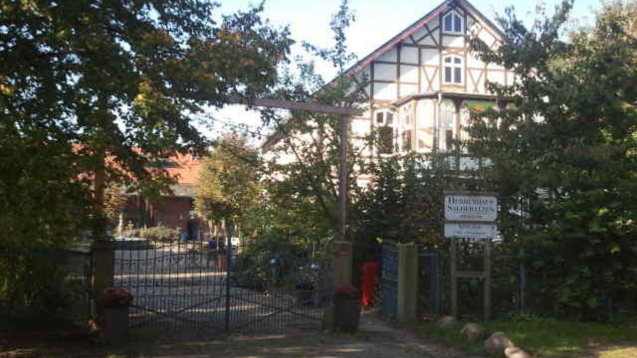 Herrenhaus Salderatzen (Küsten) • HolidayCheck (Niedersachsen ...