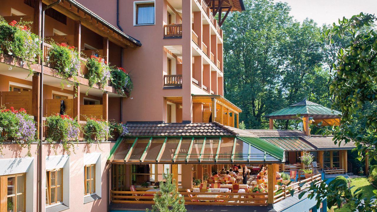 Barkellner bei Tschohl Hotel Montafonerhof in Tschagguns