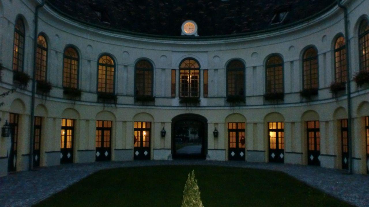Grand Hotel Sauerhof Geschlossen Baden Bei Wien Holidaycheck