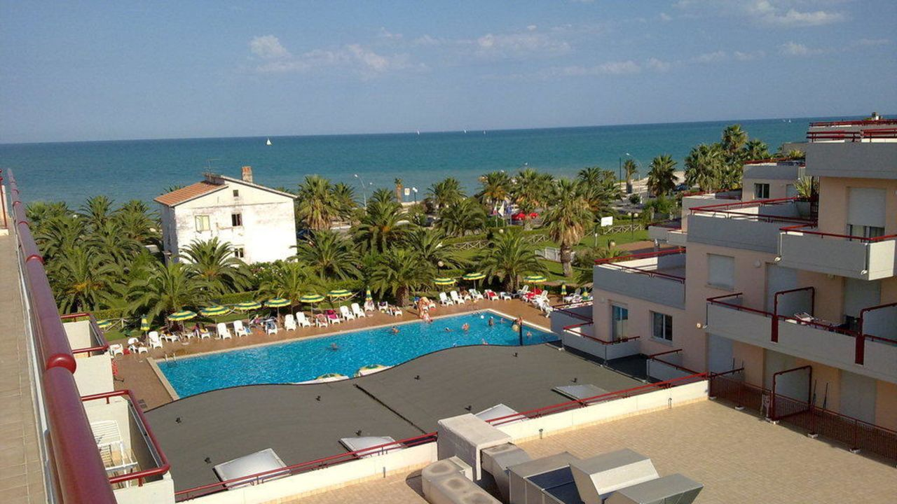 Hotel Le Terrazze Residence (Grottamare) • HolidayCheck (Marken ...