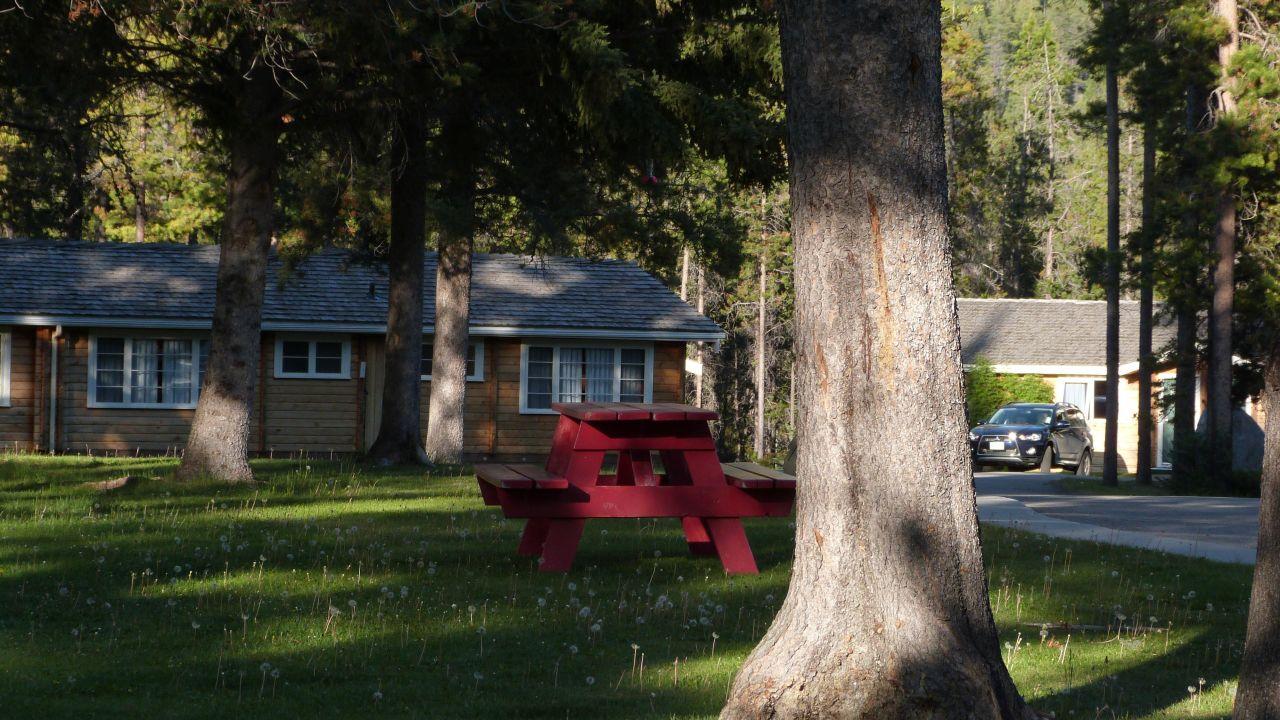 Jasper house bungalows jasper holidaycheck alberta for Jasper house