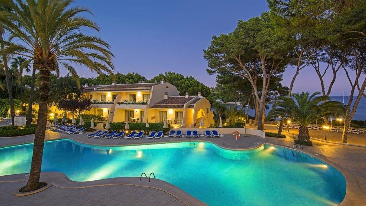 Iberostar pinos park in font de sa cala holidaycheck for Design hotel mallorca strand