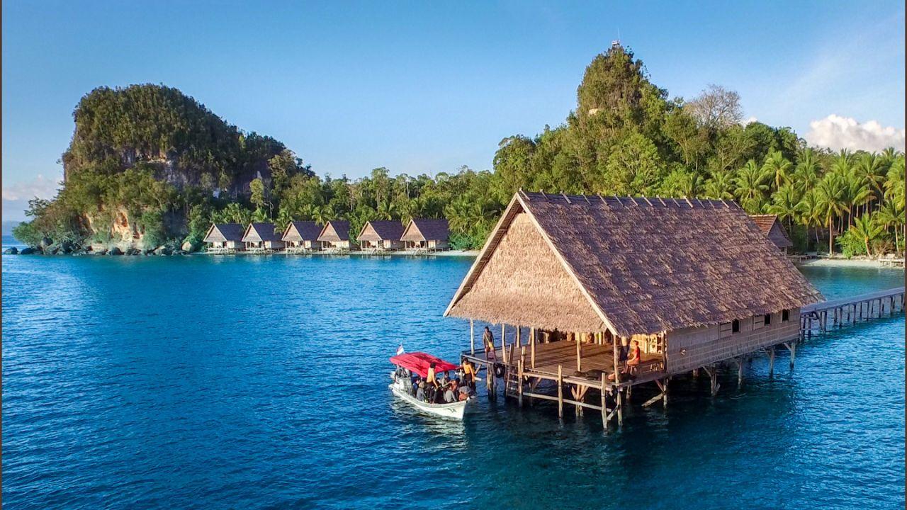 Dive resort raja4divers raja ampat holidaycheck west papua irian jaya indonesien - Raja ampat dive resort ...
