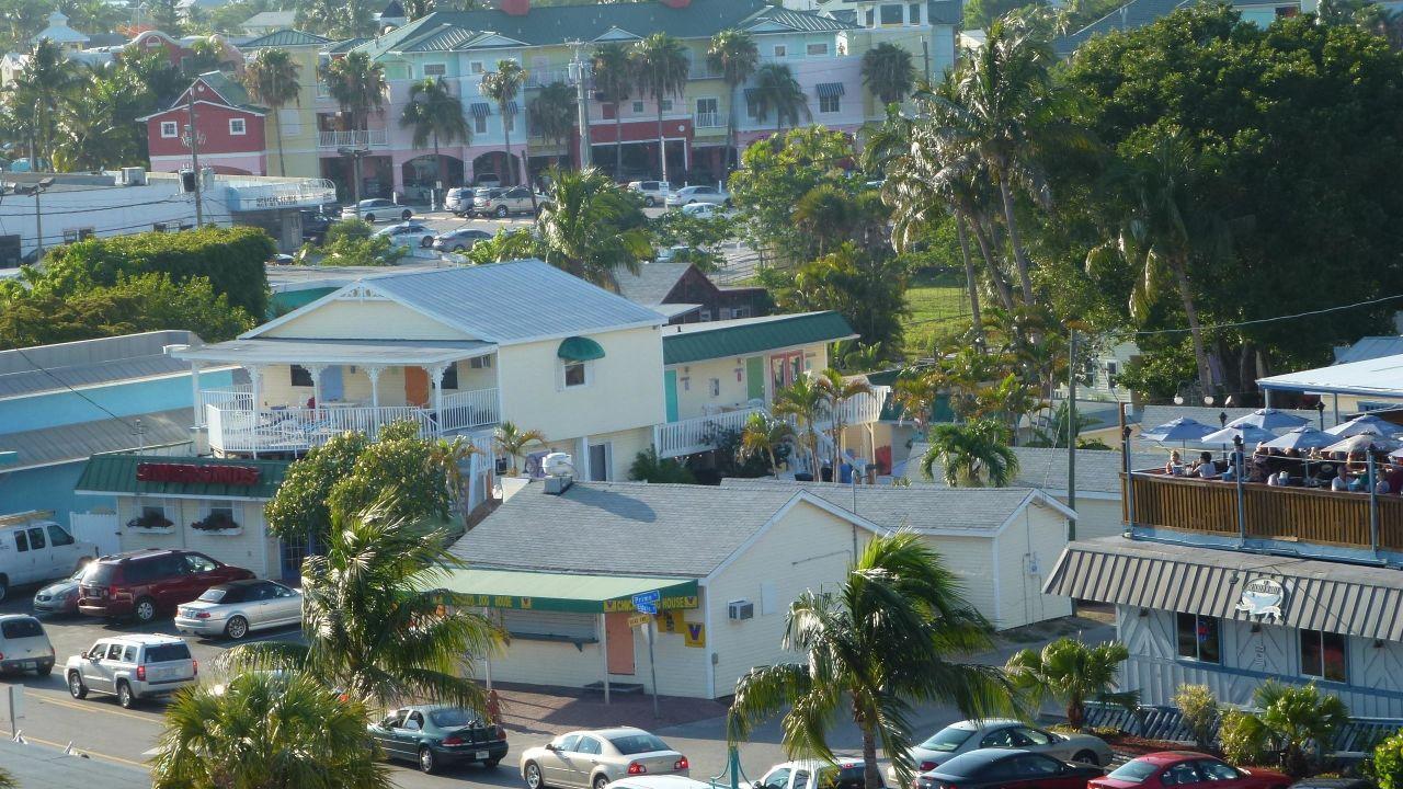 hotel silver sands resort fort myers beach. Black Bedroom Furniture Sets. Home Design Ideas