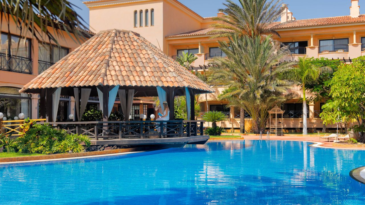gran hotel atlantis bahia real in corralejo holidaycheck fuerteventura spanien. Black Bedroom Furniture Sets. Home Design Ideas