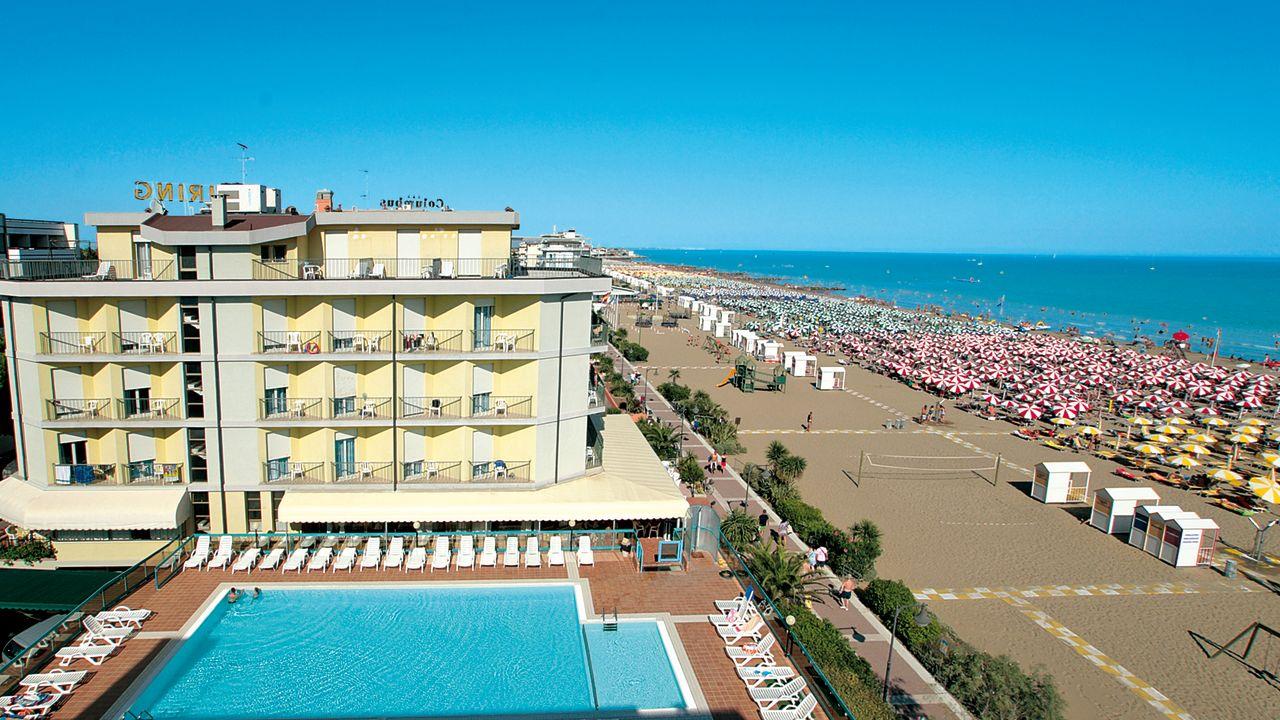 Hotel touring caorle holidaycheck venetien italien for Hotel in warnemunde direkt am strand