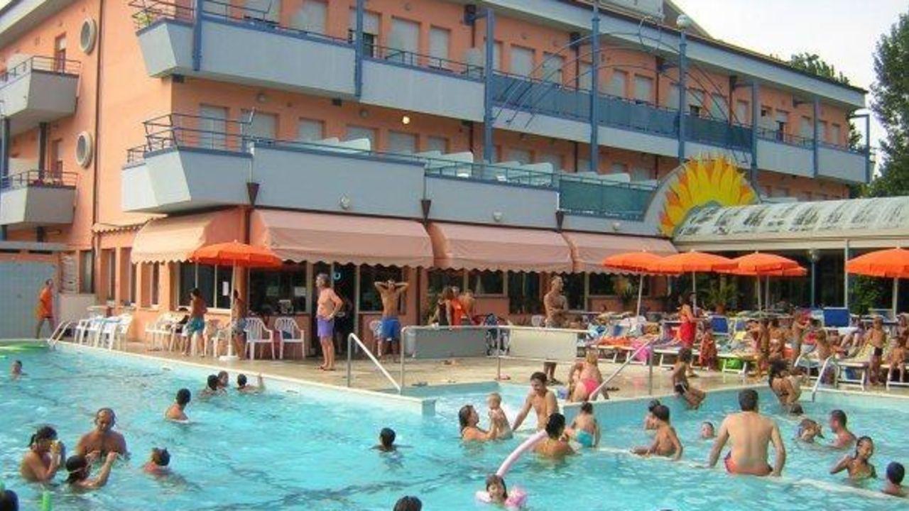 Club family hotel serenissima gatteo a mare holidaycheck emilia romagna italien - Bagno romagna cesenatico ...