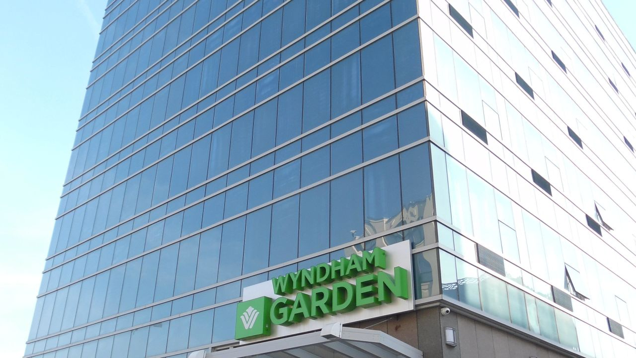 Hotel Wyndham Garden Long Island City (Long Island City ...