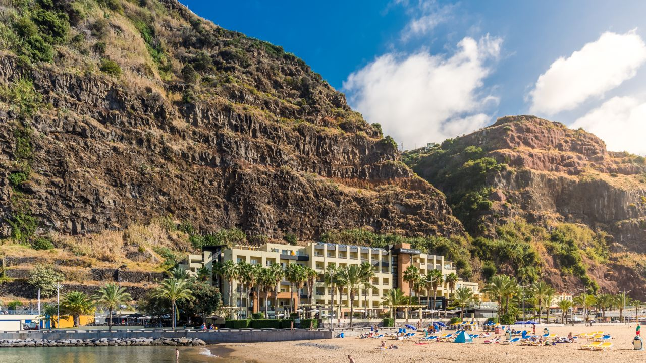 Hotel Calheta Beach Resort