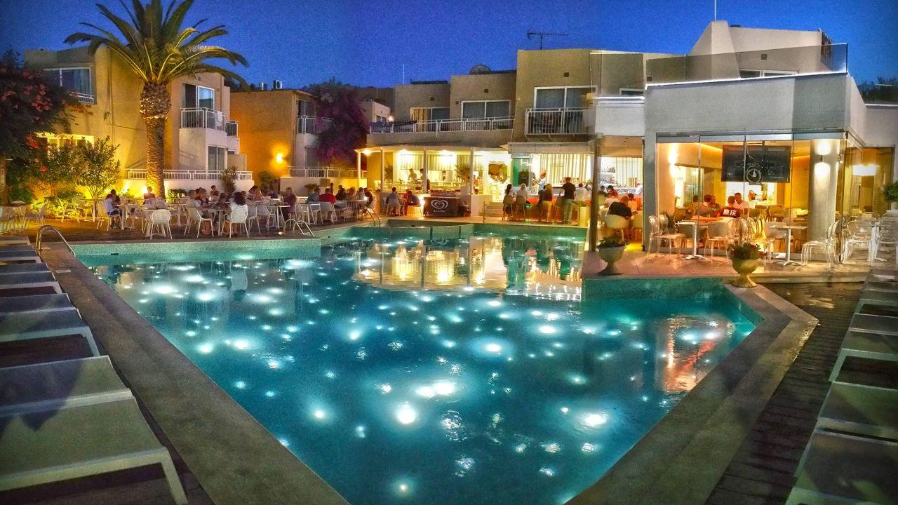 Nefeli hotel rethymno platanes holidaycheck kreta for Top hotels griechenland