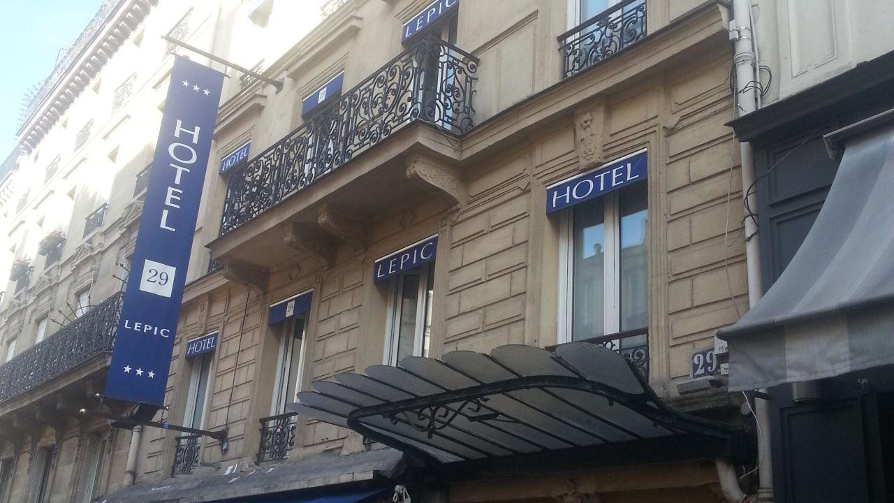 Hotel prima lepic paris holidaycheck gro raum paris for Frankreich hotel paris