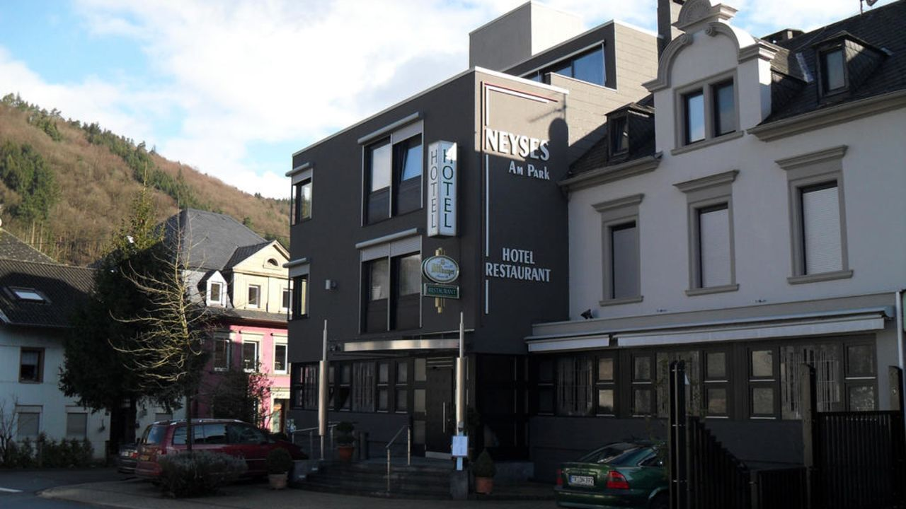 Hotel Restaurant Neyses Am Park Kordel