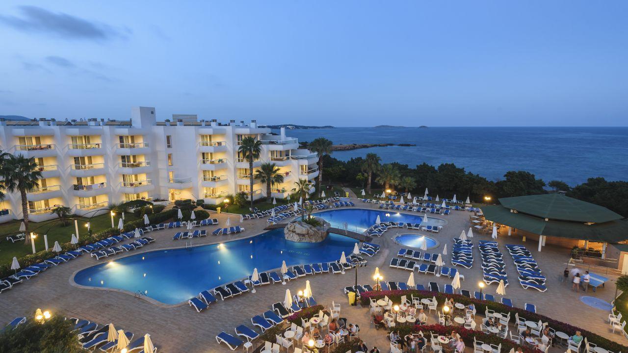 Hotel tropic garden santa eul ria des riu holidaycheck ibiza spanien - Santa eularia des riu ...