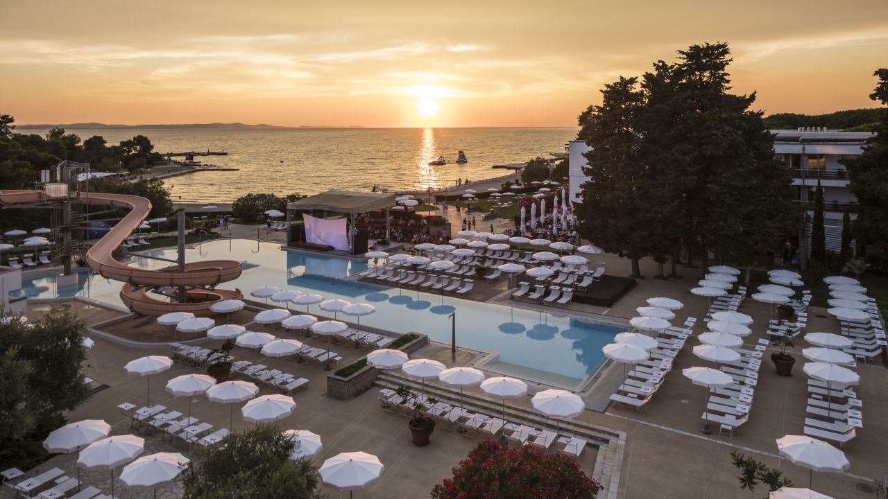 Falkensteiner club funimation borik zadar holidaycheck for Hotels zadar