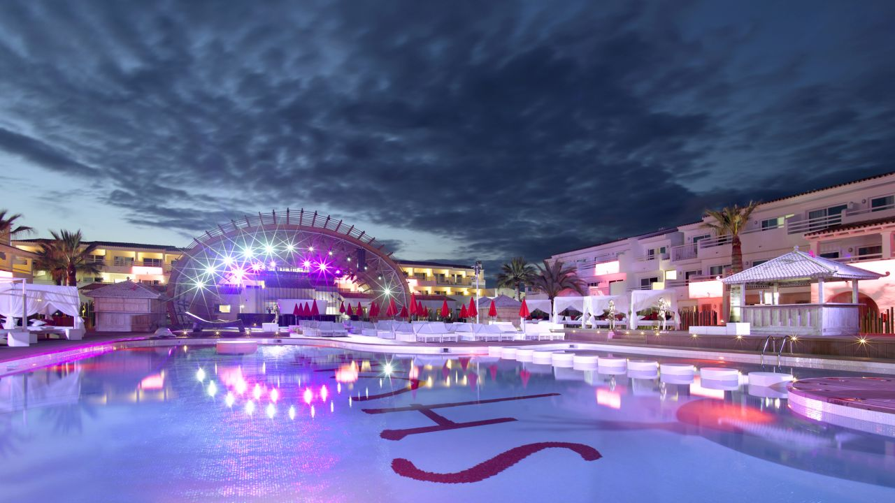 Beliebte Clubs in Europa: Ushuaia Ibiza Beach Hotel - The Tower / The Club - Adults only