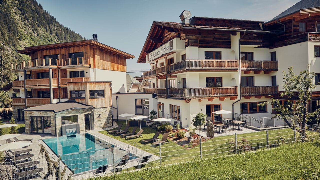 Huber 39 s boutique hotel mayrhofen holidaycheck tirol for Design boutique hotel tirol