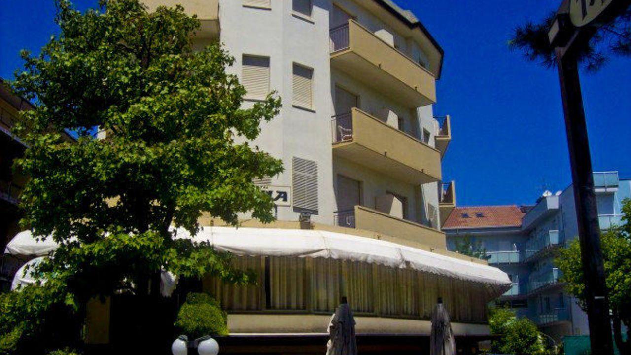 Hotel tania pinarella di cervia u2022 holidaycheck emilia romagna