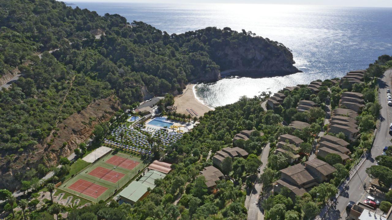 Hotel Giverola Resort