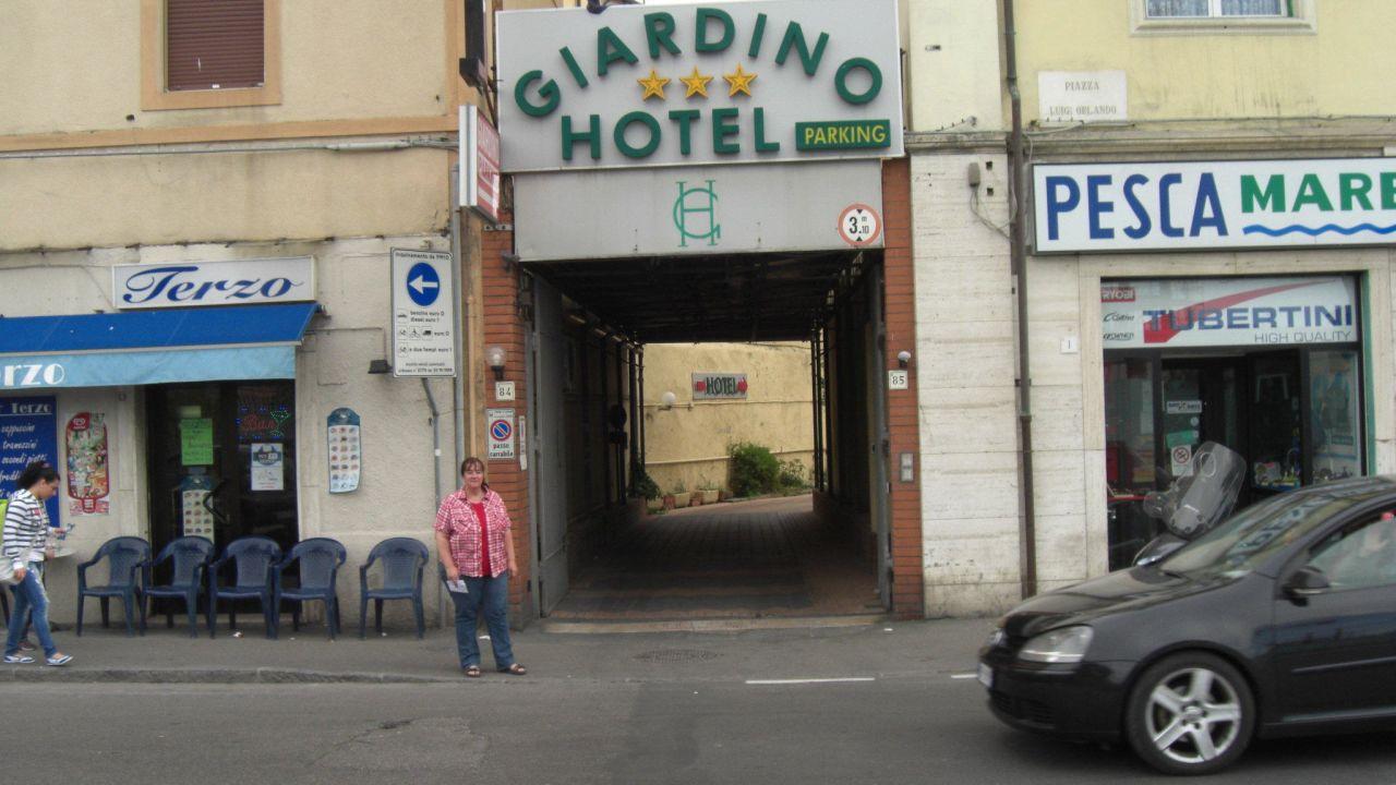 Parking hotel giardino livorno u holidaycheck toskana italien