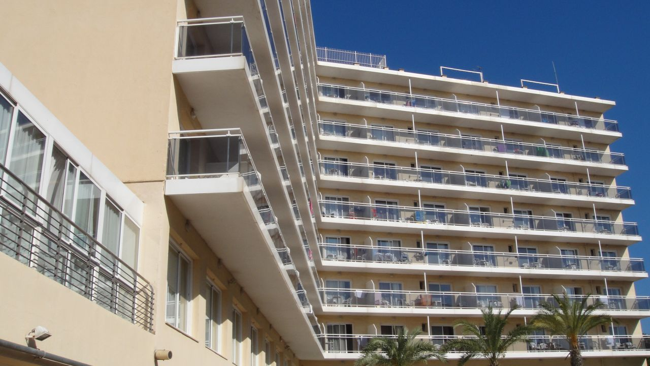 Hotel Oasis Park Splash (Calella) • HolidayCheck (Katalonien | Spanien)