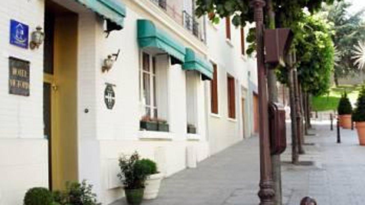 Hotel douglas paris puteaux holidaycheck gro raum for Hotel douglas paris