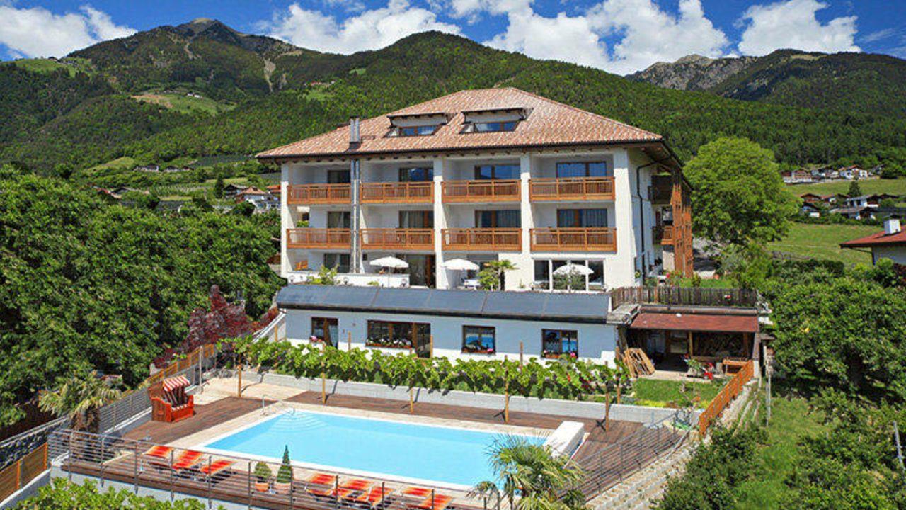 Garni hotel paler tirolo dorf tirol holidaycheck for Design hotel dorf tirol